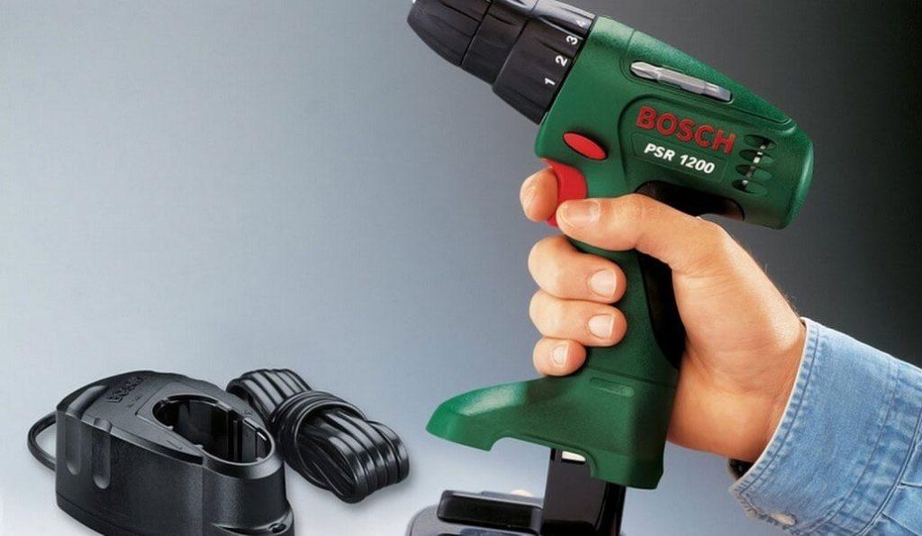 Начинается день, работник подключает прибор к источнику питания, а элемент принимает остаток за нулевой уровень фото